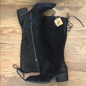 New Born suede boots size 10